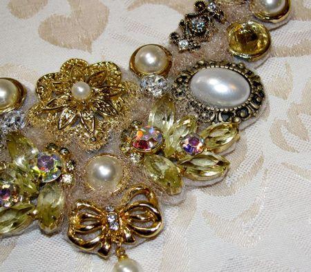 Bib necklace 1