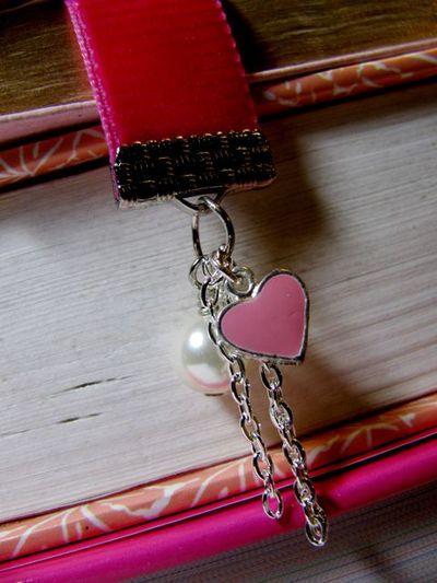 Hello Kitty Bookmark 3