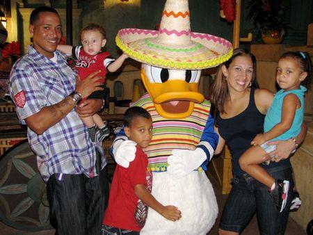 Kari & Fam w: Donald Duck