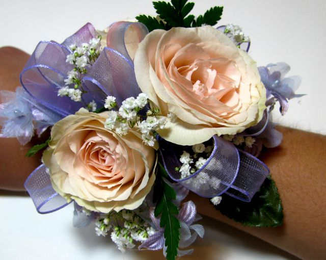 Easy wrist corsage tutorial a creative life corsage 11 mightylinksfo Choice Image