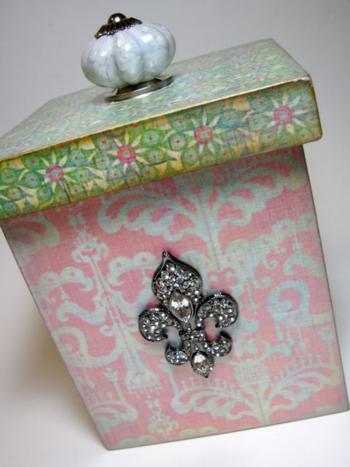 Beautiful Pearlescent Box.